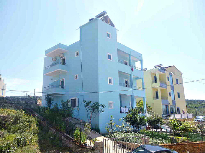 Joni Apartments, Sarandës