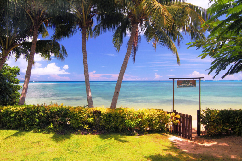 Coconut Grove Beachfront Cottages, Cakaudrove