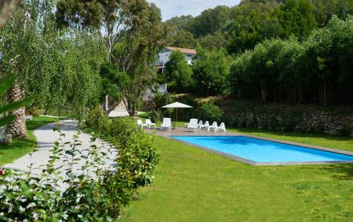 House with 5 bedrooms in Cristelo with wonderful sea view shared pool enclosed garden 2 km from the , Caminha