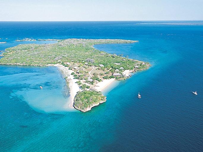 Azura Hotel Quilalea Private Island, Macomia