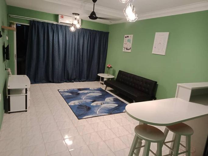 Teluk Batik Apartment (Homestay), Manjung