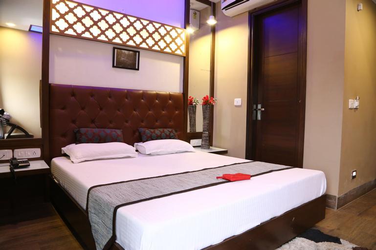 OYO 555 Hotel Mourya, Chandigarh
