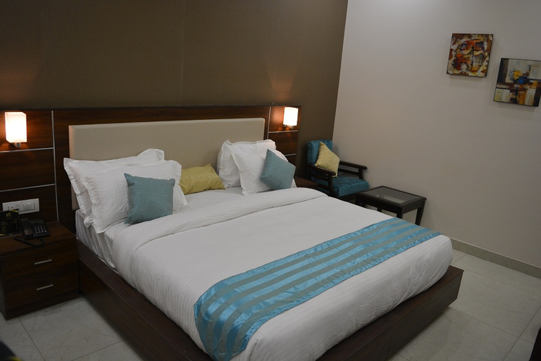 Hotel Dolives, Panipat