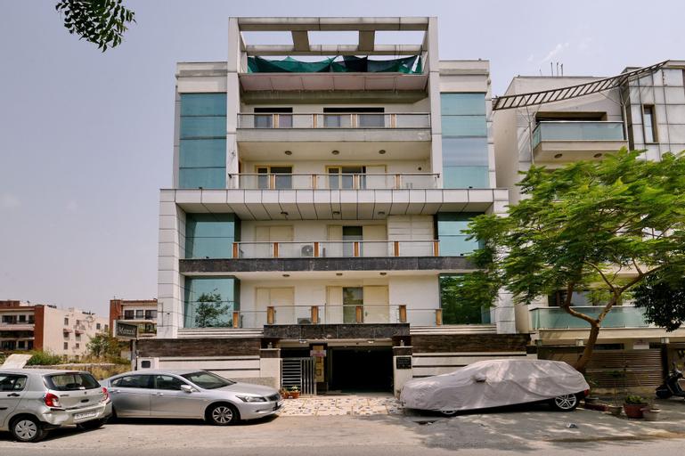 OYO 360 Hotel Manzil, West