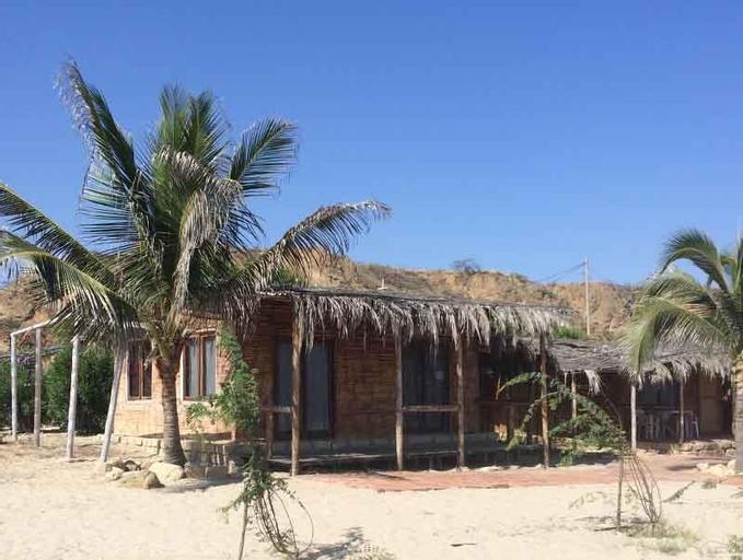 Waltako Beach Town, Contralmirante Villar