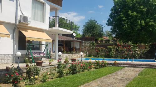 Rosarium Residence Guest House, Dryanovo