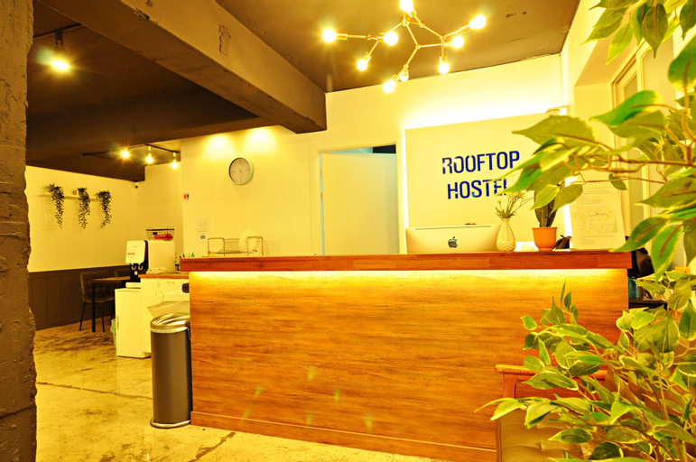 Myeongdong Rooftop Hostel, Jung