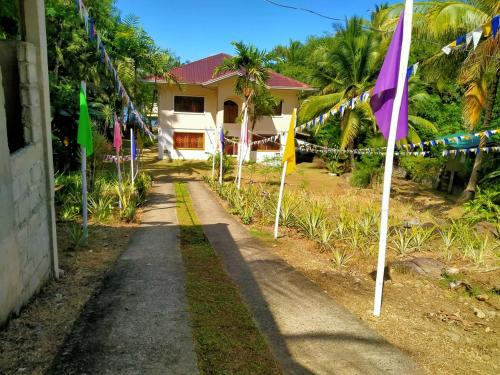 Twin Island Beach House, Hinunangan