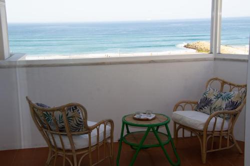 Amazing Panoramic Beach View in Caparica (T1), Almada