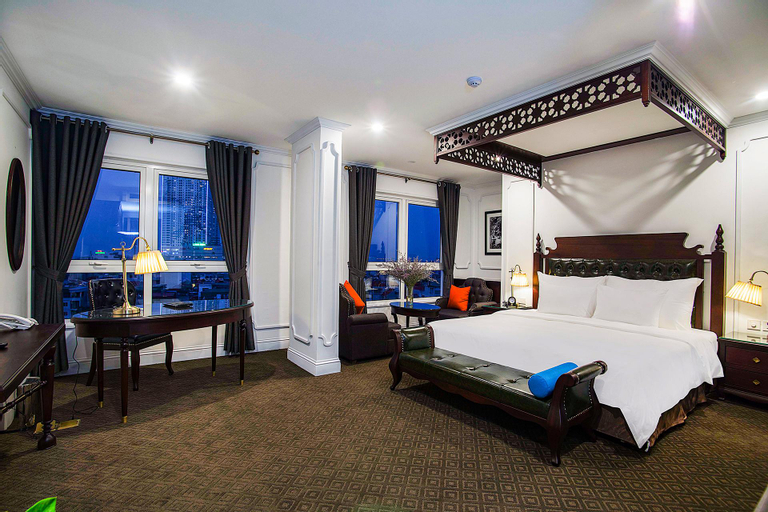 New Era Hotel & Villa, Long Biên