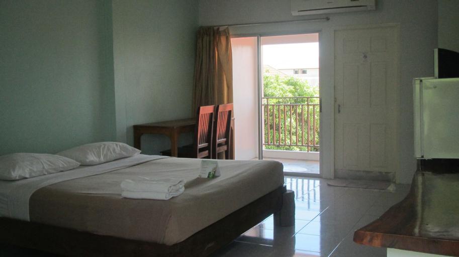 Sophon.19 Apartment (Baan Klang Noen), Bang Lamung