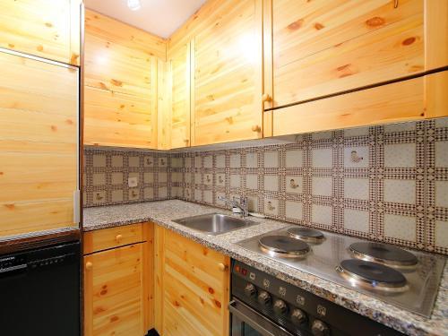 Apartment 34-8, Maloja