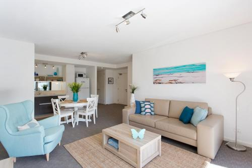 Beachside Living - South Fremantle, Fremantle