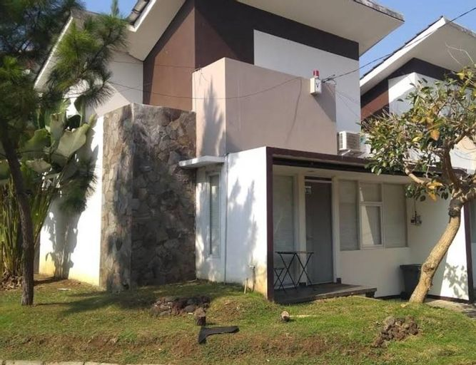 Greenhill Home Garut 2 Kamar by Desti, Garut