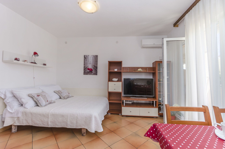 Apartments Nika, Vodice