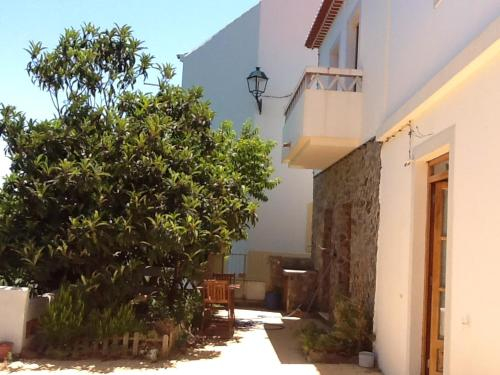 House with 2 bedrooms in Aljezur with enclosed garden 8 km from the beach, Aljezur