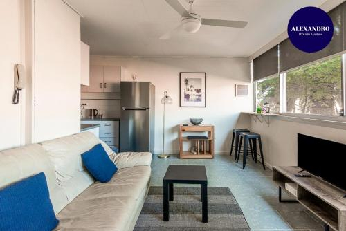 PADDINGTON PAD with PARKING & SMART TV & POOL, Woollahra
