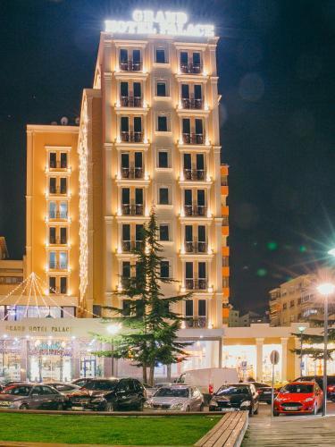Grand Hotel Palace Korca, Korçës