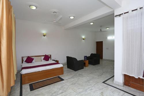 OYO 13825 mannat residency, Gautam Buddha Nagar