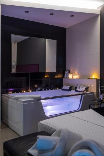 NAR Royalton Apartments Studios Rooms, Niš