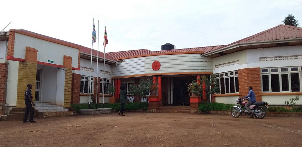 Lado Hotel, Buruli