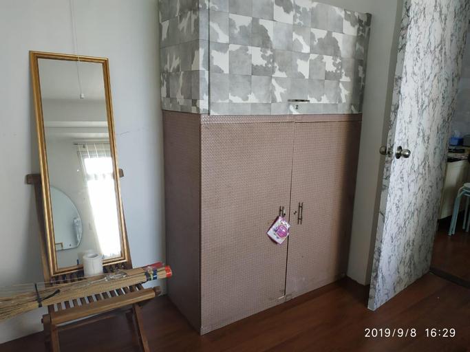 2 Bed Room Plus Sofa Bed, Sea View, Big TV, WIFI, Jakarta Utara