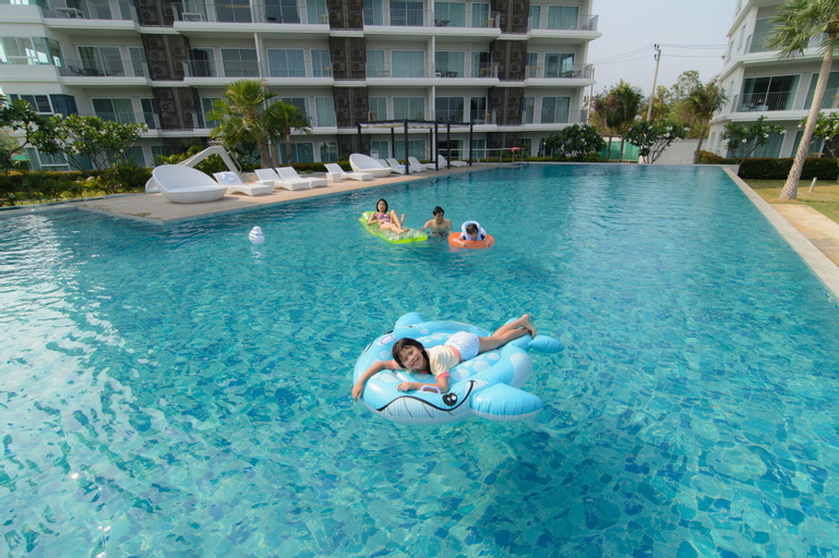 The Sea Condominium, K. Sam Roi Yot