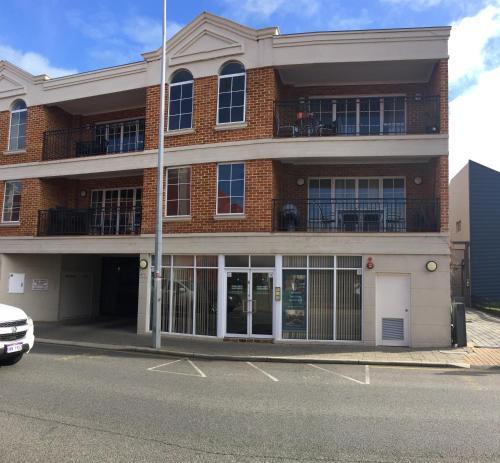 James Henty Apartments, Fremantle
