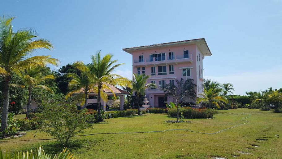 Pink Palace Panama, Chame
