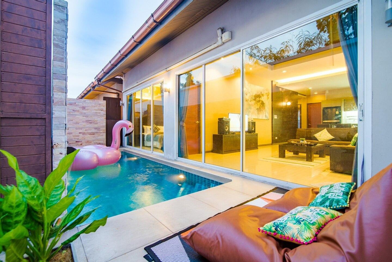 Near BEACH! Heart Pattaya Best Price Pool Villa, Bang Lamung