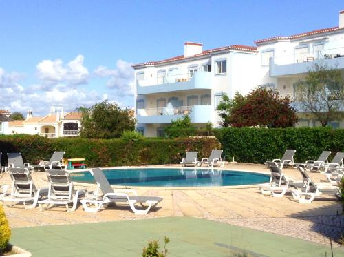 Apartment with 2 bedrooms in Portimao with wonderful city view shared pool enclosed garden 7 km from, Portimão