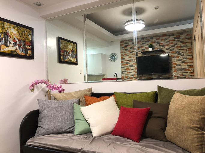 Staycation @ Trees Residences w/ Wifi & Netflix, Quezon City