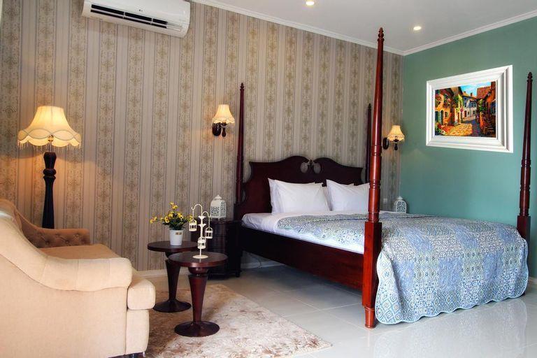 Suite room Double bed at Omah Madam , Semarang