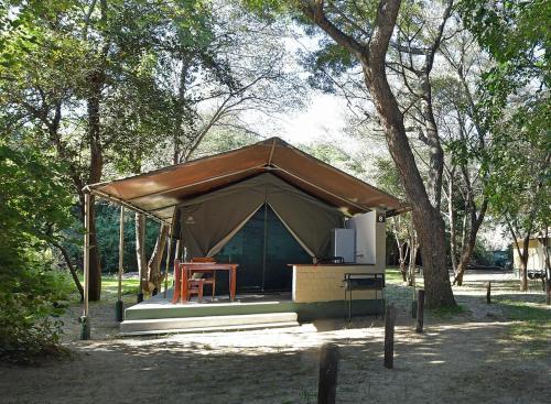 Zambezi Mubala Camp, Kabe