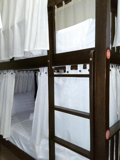 Bed in 6-bed Mixed Dormitory Room, Yogyakarta
