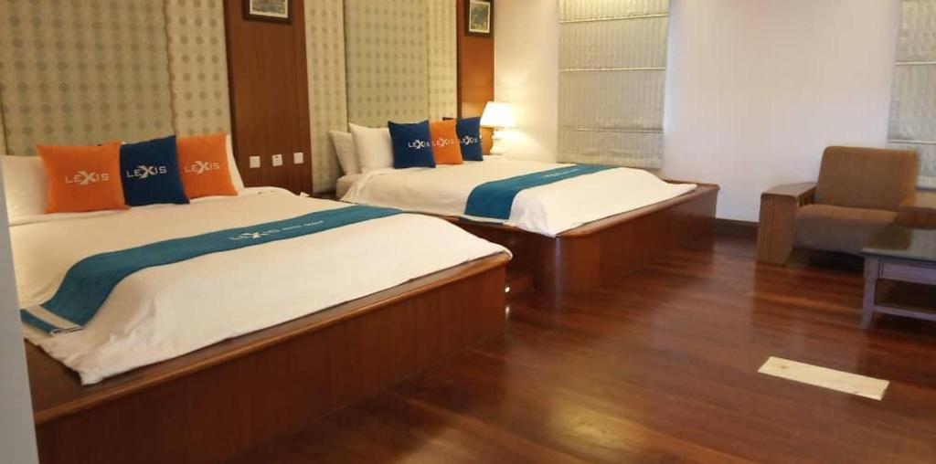 Grand Lexis Seaview private pool Villa PD @10 ppl, Port Dickson