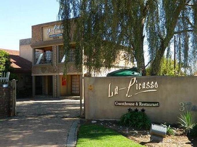 La Picasso Guesthouse, Gert Sibande
