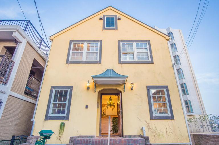 IZA Enoshima Guest House & Bar, Fujisawa