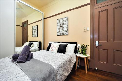 Quiet Private Room In Strathfield 3min to Train Station 8 - ROOM ONLY, Burwood
