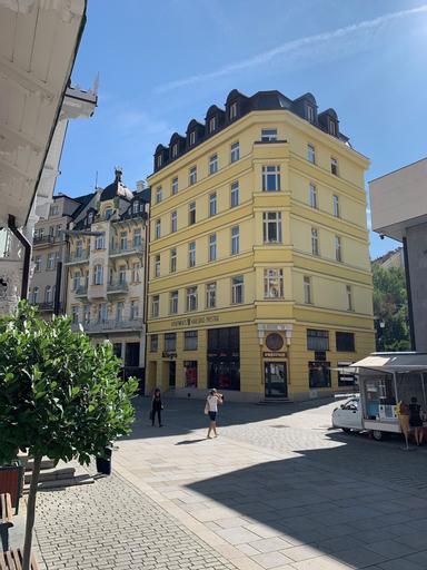 Karlsbad Prestige, Karlovy Vary