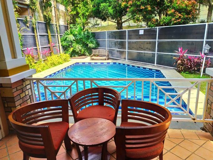 Villa 4 Kamar Kota Bunga Private Pool, Cianjur