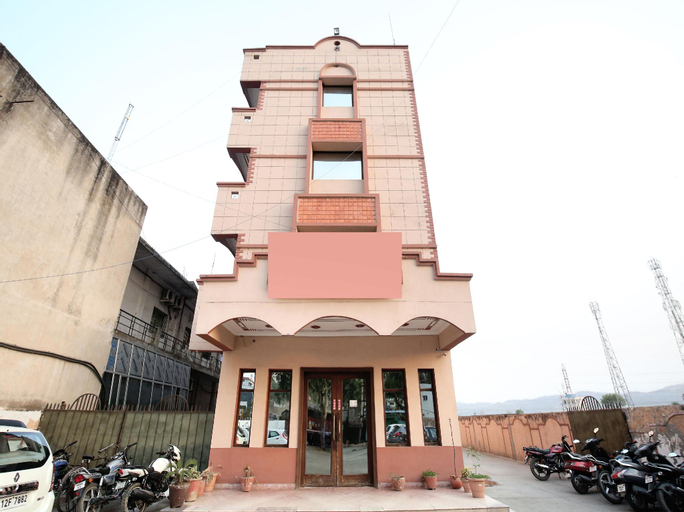 OYO 14754 Hotel ashish, Panchkula