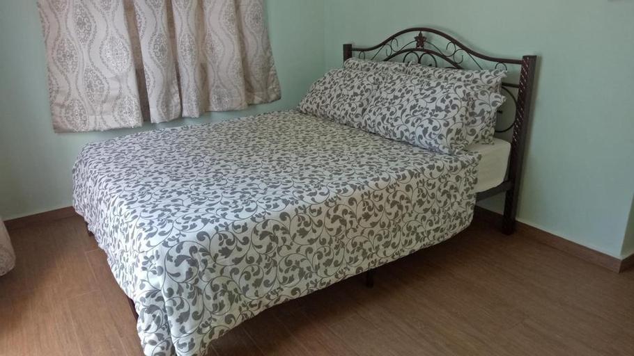 M's Place Chalet Bed & Breakfast, Barat Daya