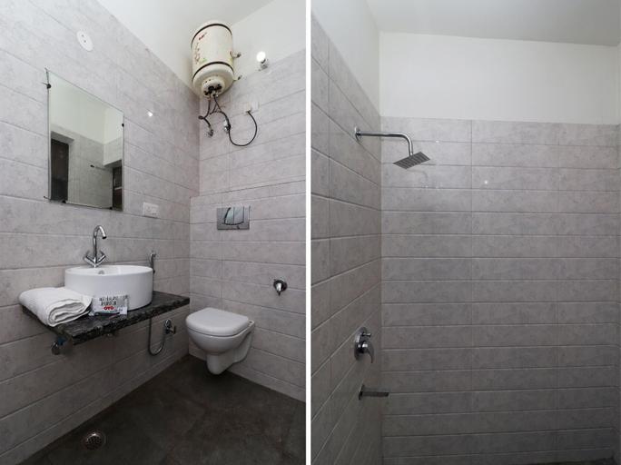 OYO 28576 Laxmi Residency, Faridabad