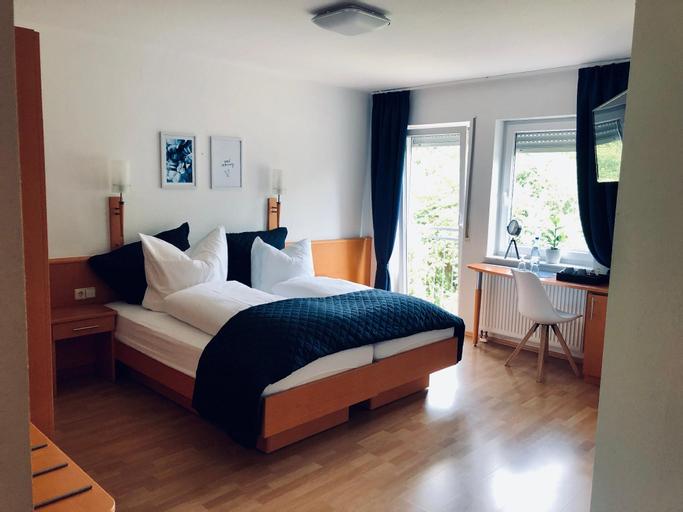 Am Landhaus - Gästezimmer und Frühstück, Südliche Weinstraße