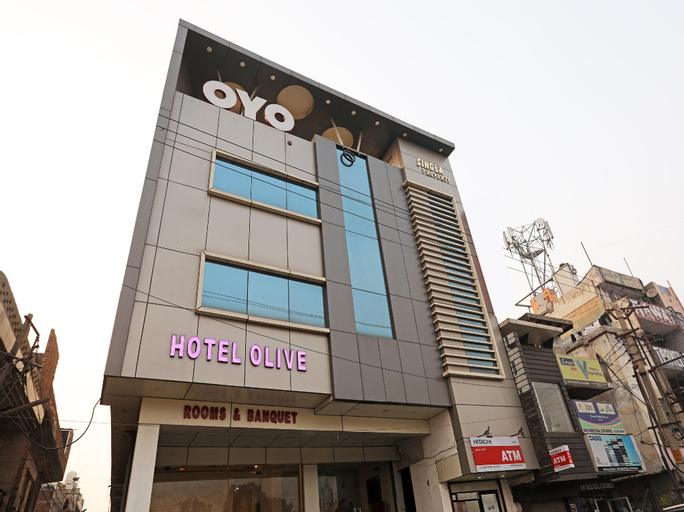 OYO 28017 Hotel Olive, Faridabad