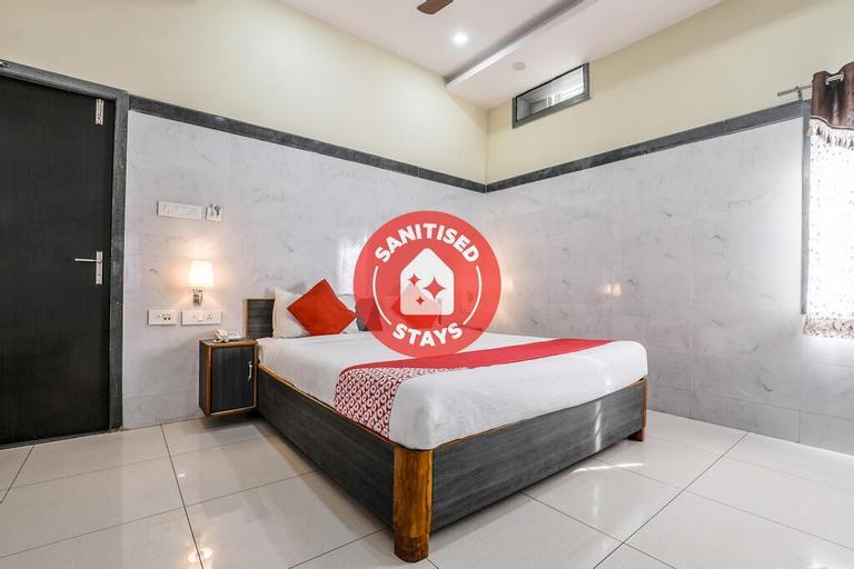 OYO 9352 Hotel SRC Grand, Krishna