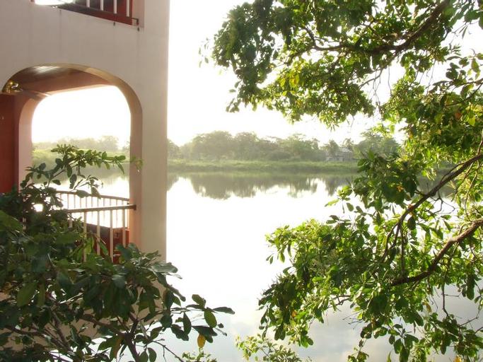 Lamanai Landings Resort and Marina (Pet-friendly),