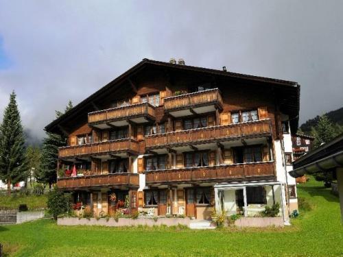 Hotel Kruezli, Surselva