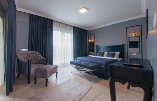 Villa Room Room, Merkez